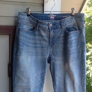 Levis Modern Skinny Jeans, size 12